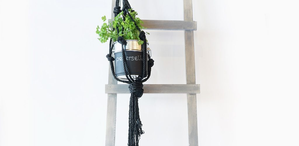Decoratie ladder ladder in huis mia domo decoratie ladder houten trap steigerhouten - Huis trap decoratie ...