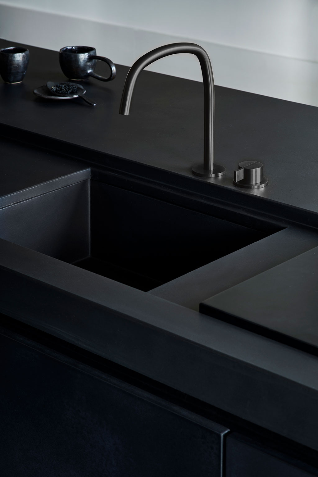 Black kitchen design | Stek Magazine